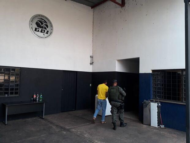 Operação Breaking: homens são levados para delegacia em Campo Grande