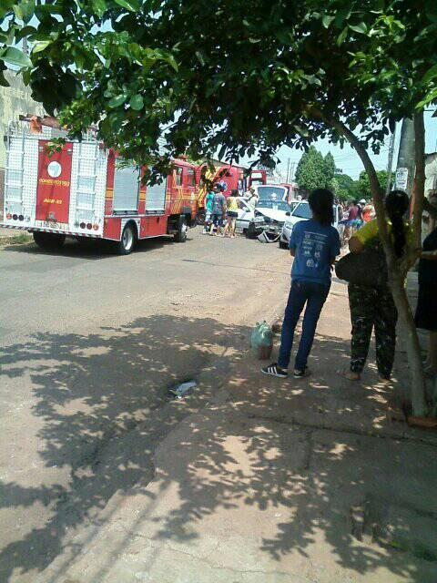 População se cansa de acidentes e cobra quebra-molas em cruzamento na Moreninha III