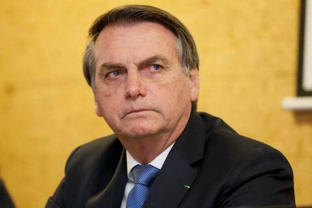Parlamentares pressionam Bolsonaro para vetar projeto dos partidos