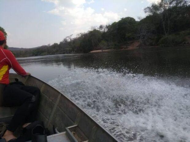 Bombeiros encontram corpo de banhista no rio Aquidauana