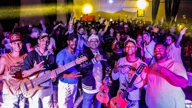 Jardim Itamaracá recebe projeto com show gratuito de samba, axé e sertanejo
