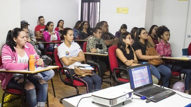 Funsat abre cursos na área de finanças, escritório e higiene de manipulação de alimentos