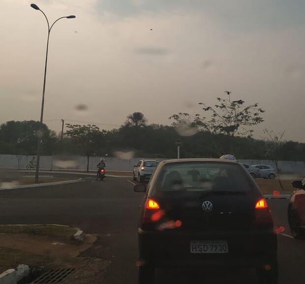 VÍDEO: garoa fraquinha dá esperanças de chuva ao campo-grandense