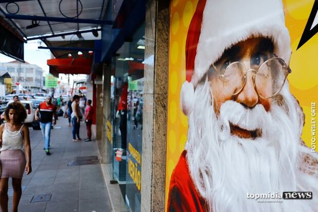 Rua 14 de Julho vai receber luzes e telão para as festividades de Natal