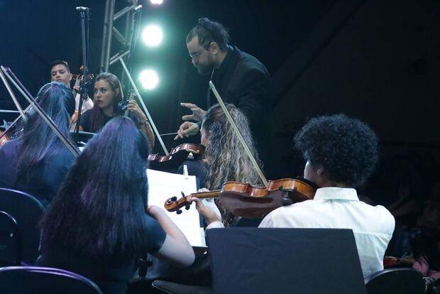 Mais de 100 artistas se reúnem para o 1º Concerto pela Paz nos altos da Afonso Pena