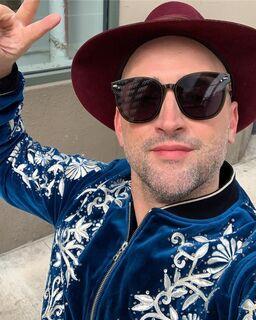 Paulo Gustavo é criticado por filme sem beijo gay e responde: 'povo está muito raivoso'