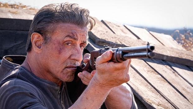 'Rambo' volta aos cinemas detonando tudo na estreia da semana na Capital