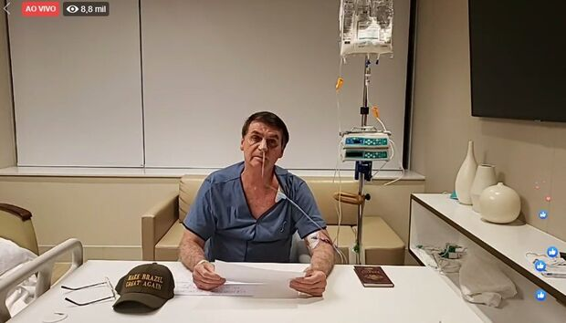 Bolsonaro retira sonda nasogástrica e recomeça dieta líquida