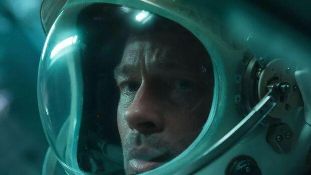 Estreia da semana: Brad Pitt encara uma viagem pelo espaço para achar o pai em 'Ad Astra'