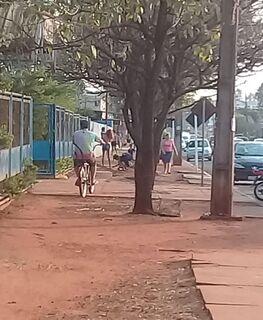 Absurdo: horas após apelo por cadeirante especial, calçada é vandalizada no Jardim Botafogo