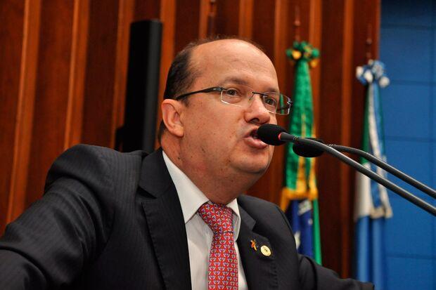 Na Assembleia, Barbosinha também reclama de eleições para Conselheiros