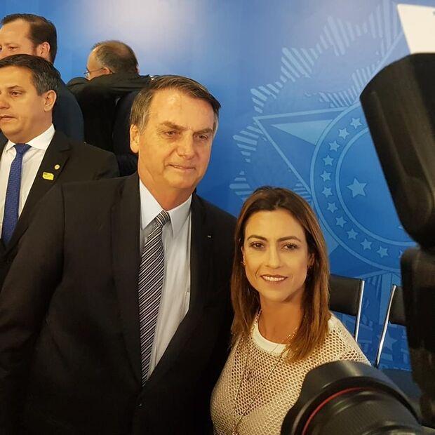 Na Lata: caroneira, Soraya fica no muro em briga de Bolsonaro e PSL