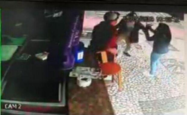 Polícia Civil prende mãe que esfaqueou e matou a filha de 13 anos
