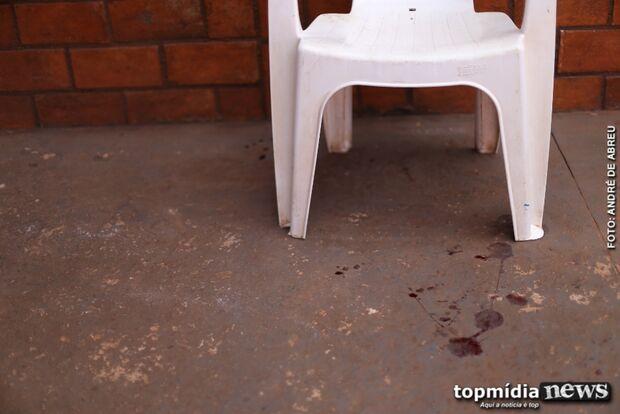 Rapaz é assassinado a facadas perto de igreja católica