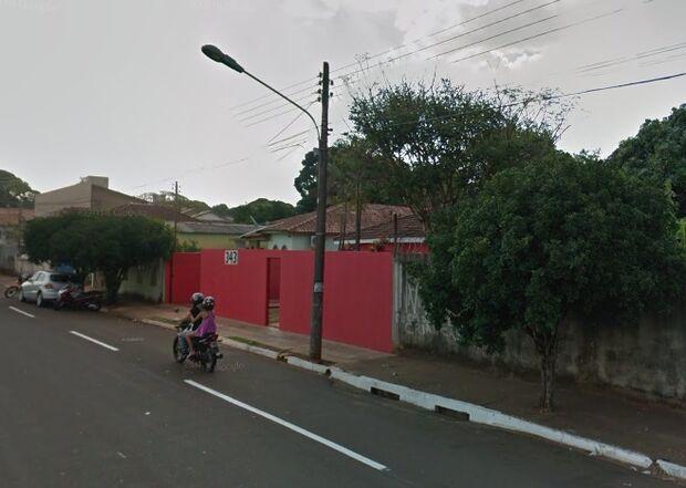 Detento e amigo são presos com revólveres em casa na Vila Planalto