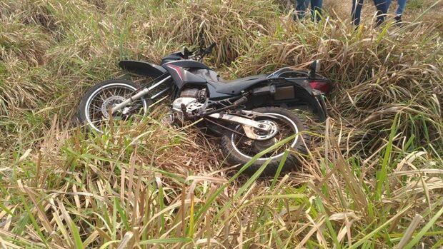 Motociclista é encontrado morto próximo de córrego em Ribas