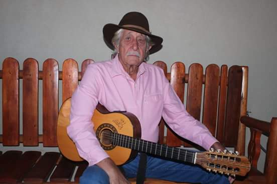 Morto em acidente, violeiro Ivo de Souza planejava festa de 74 anos com muito sertanejo raiz
