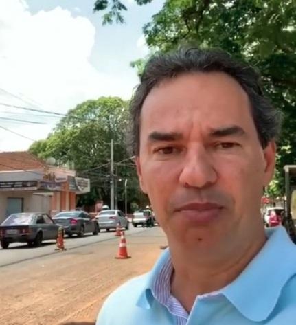 VÍDEO: em pleno domingo, Marquinhos visita obras da Bandeirantes e celebra andamento de serviços