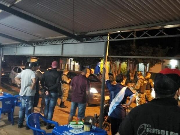 Brasileiro é executado a tiros em frente de rádio em Capitán Bado