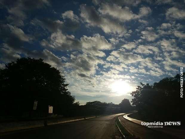 Sábado em Campo Grande tem chuva, mas termômetros podem chegar aos 36º C