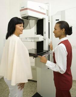OUTUBRO ROSA: Centro de Diagnóstico oferece 100 mamografias gratuitas