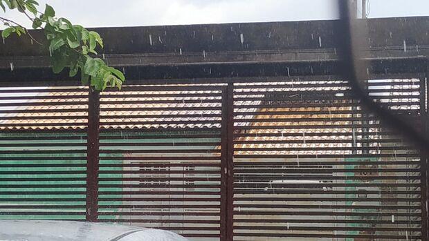 Chuva refresca o sábado dos campo-grandenses