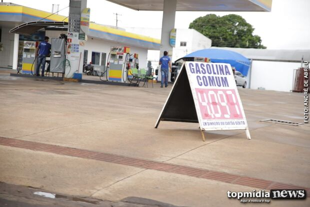 Natal vai ser fogo: preço da gasolina ultrapassa os R$ 4 em Campo Grande