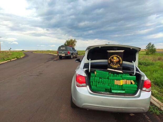 DOF recupera veículo furtado carregado com maconha