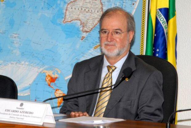 No embalo de Lula, ex-governador de MG deixa cadeia após decisão do STF