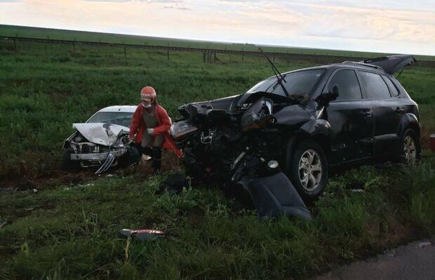 Motorista morre após outro tentar ultrapassagem e causar acidente na BR-359
