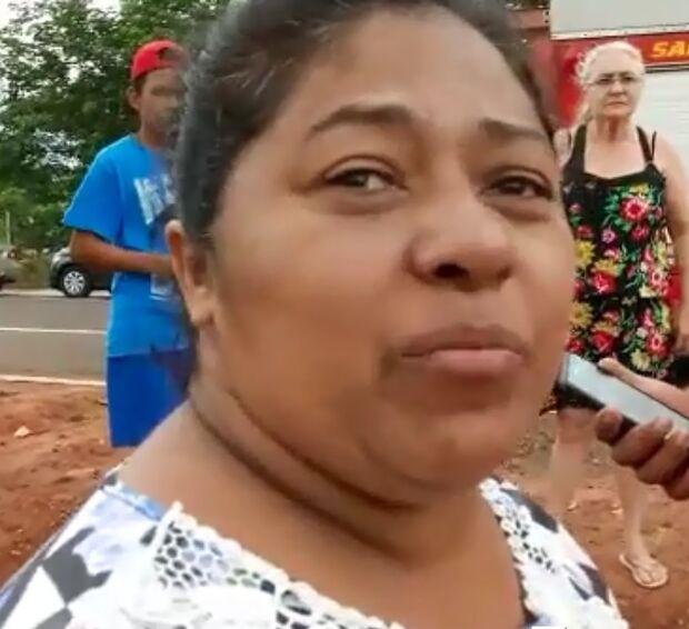 VÍDEO: desesperada, mulher vai à cena de crime na Ernesto Geisel saber se marido é a vítima