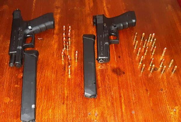Brasileiro e paraguaio são presos com pistolas .9 mm na fronteira