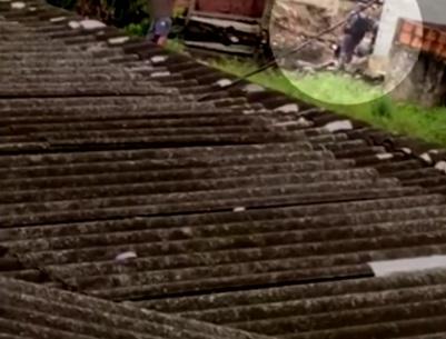 VÍDEO: PM é suspeito de jogar corpo de jovem em vala em favela de SP