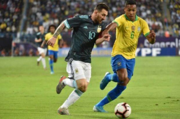 Tite sente pressão após derrota da seleção para Argentina