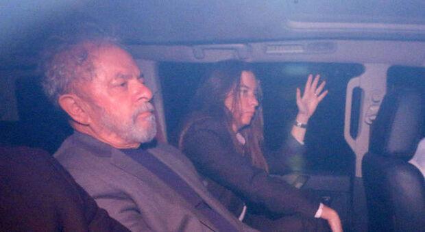 Justiça expede alvará e manda soltar Lula após decisão do STF