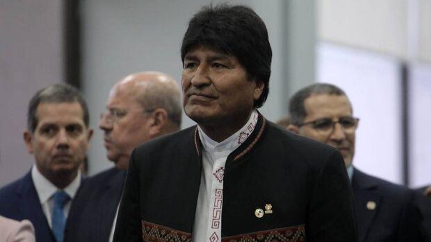 Evo Morales renuncia ao cargo e pede fim de violência na Bolívia