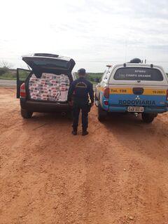 Suspeito abandona carro com 30 mil maços de cigarros em canavial perto de Naviraí