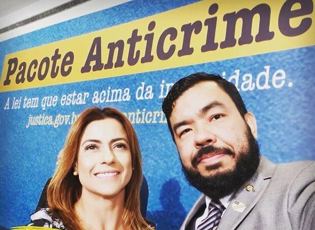 Com irmão em escritório de Soraya, Trutis justifica salário de R$ 11 mil: 'acumula três funções'
