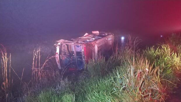 Ônibus capota e deixa mais de 20 feridos entre Dourados e Ponta Porã