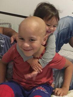 Bebêzinha salva irmão com leucemia ao doar sangue de cordão umbilical