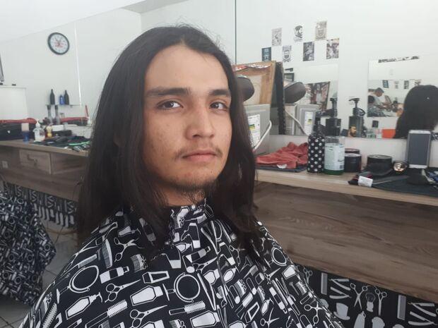 Ano Novo, atitudes novas: estudante doa cabelo para Hospital do Câncer