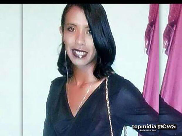 Travesti é assassinada a facadas enquanto comia em lanchonete