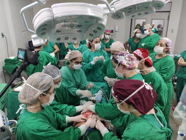 Com participação de 50 profissionais, HR faz cirurgia inédita em gestante de 33 semanas