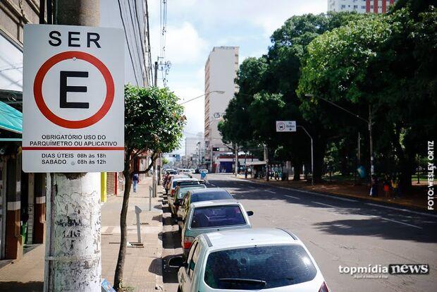 Após protesto, prefeitura dá mais prazo e promete rever multas para motoristas de aplicativo