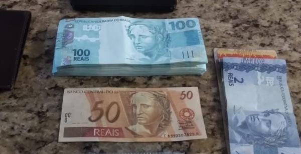 Em um dia, lotérica registrou cinco pessoas com notas de R$ 100 falsas em Chapadão do Sul