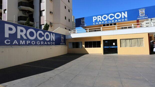 Procon de Campo Grande notifica bancos para evitar cobrança de cheque especial