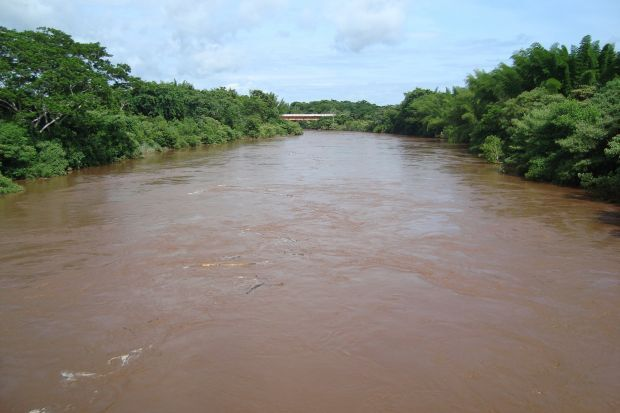 Corpo é achado boiando no Rio Miranda e polícia investiga o caso em Jardim