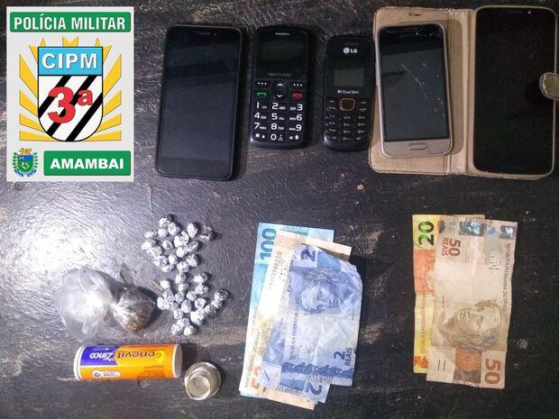 Mulher e dois homens são presos por tráfico de drogas em Amambai