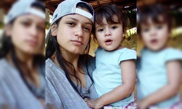 Mãe é achada com faca ao lado da bebê de dois anos: 'matei minha filha'