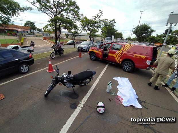 Mulher que morreu atropelada por caminhão é identificada